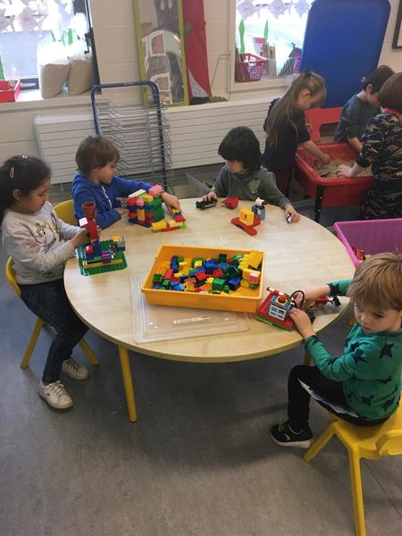 Junior Infants busy at Aistear