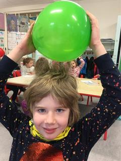 Rang Gráinneog- Static Electricity